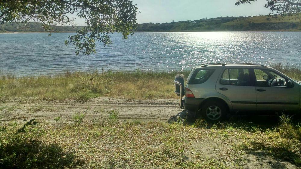 Vende-se está terreno a beira de uma lagoa privada em Bilene zona nobr