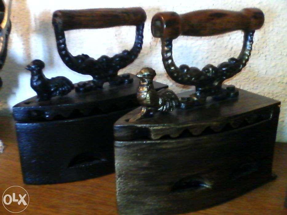 fier calcat carbuni vechi Obiect vintage cadou perfect
