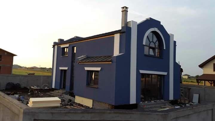 Firma constructii, constructor , construim case la 50 e mp la rosu