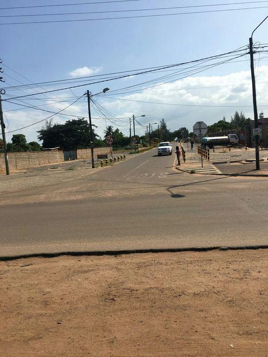 Trespassa-se terreno 16x40 na zona de Mozal-Djonasse.