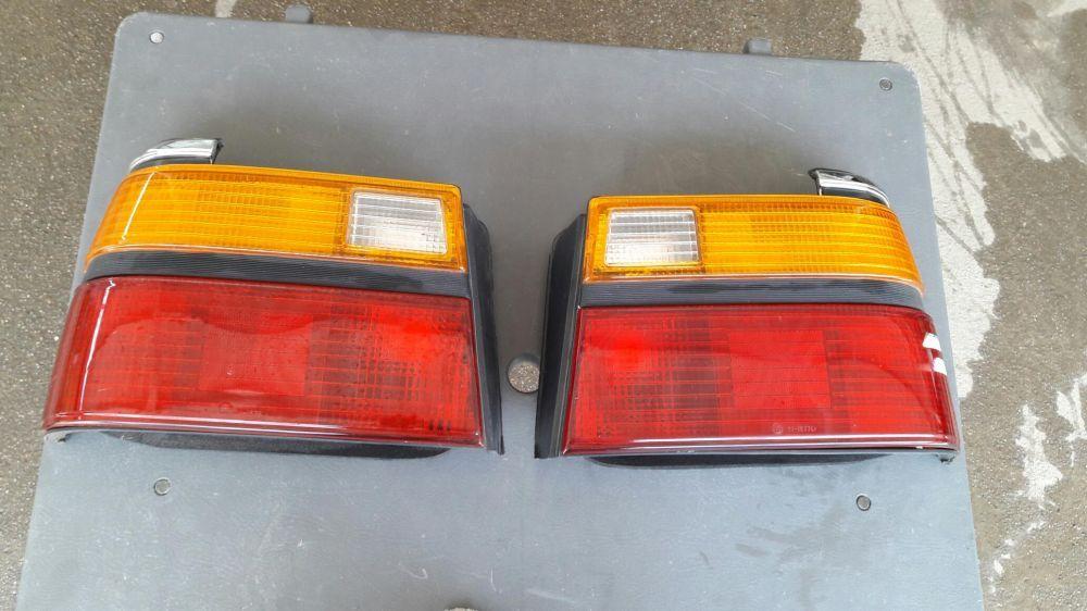 Задние фонари Мазда 626 седан 1987 г. Новые срочно, торг.