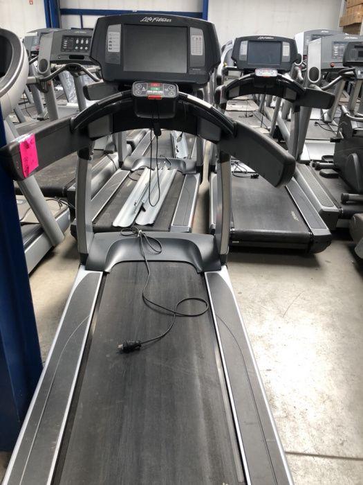 Banda de alergare Life fitness model nou