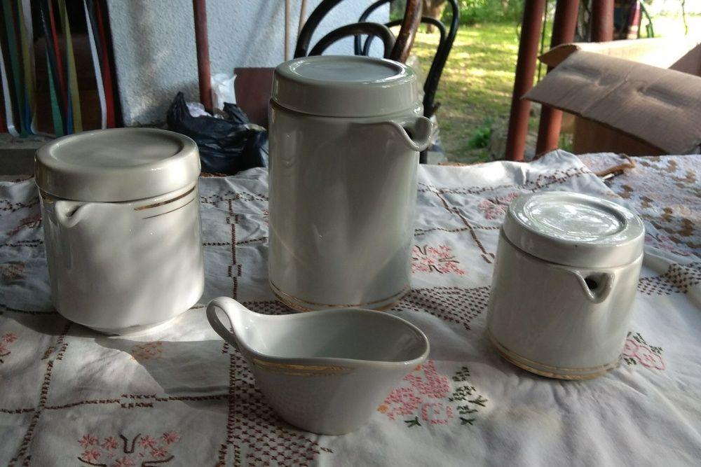 Продавам канички за чай и мляко