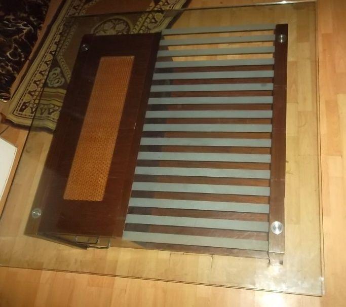 Стеклянный стол 120х120
