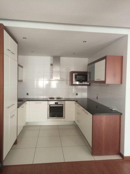 Vendo este super apartamento no condiminio Tor do indico na 24 de julh