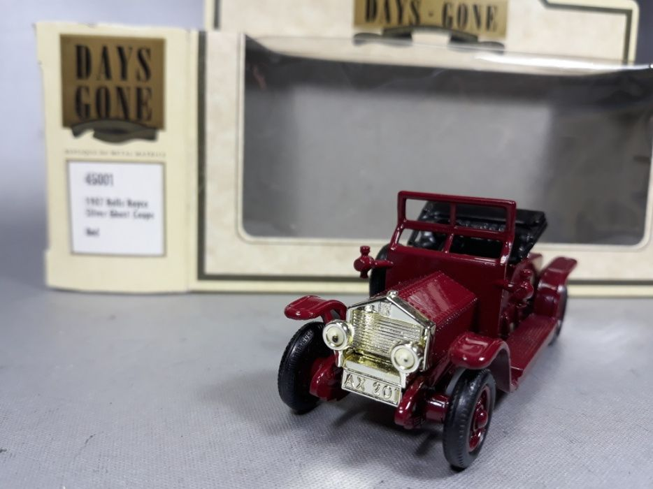 Rolls Royce silver ghost coupe red macheta de metal colecție England