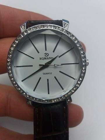 ceas de mana dama marca Rqmand Nou
