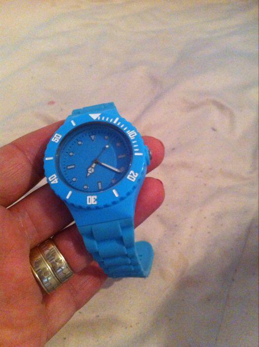 ceas de mana nou