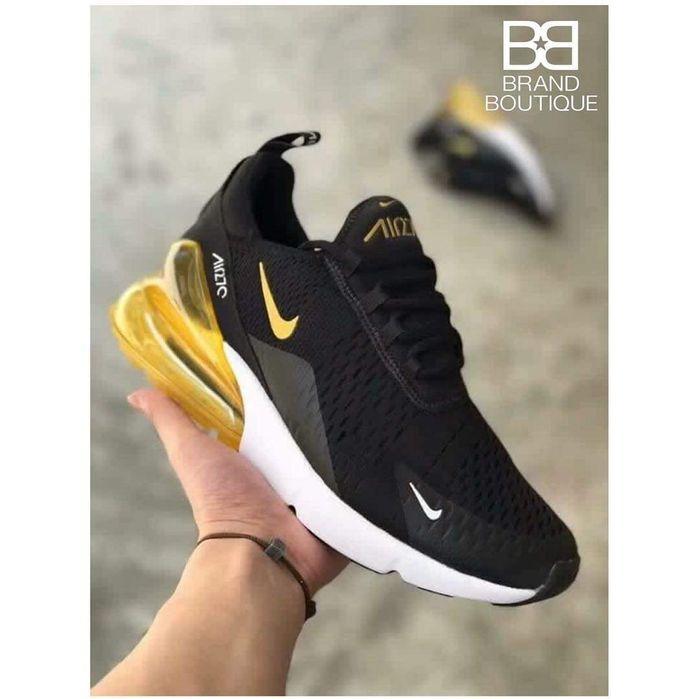 Vende se tênis da Nike 270