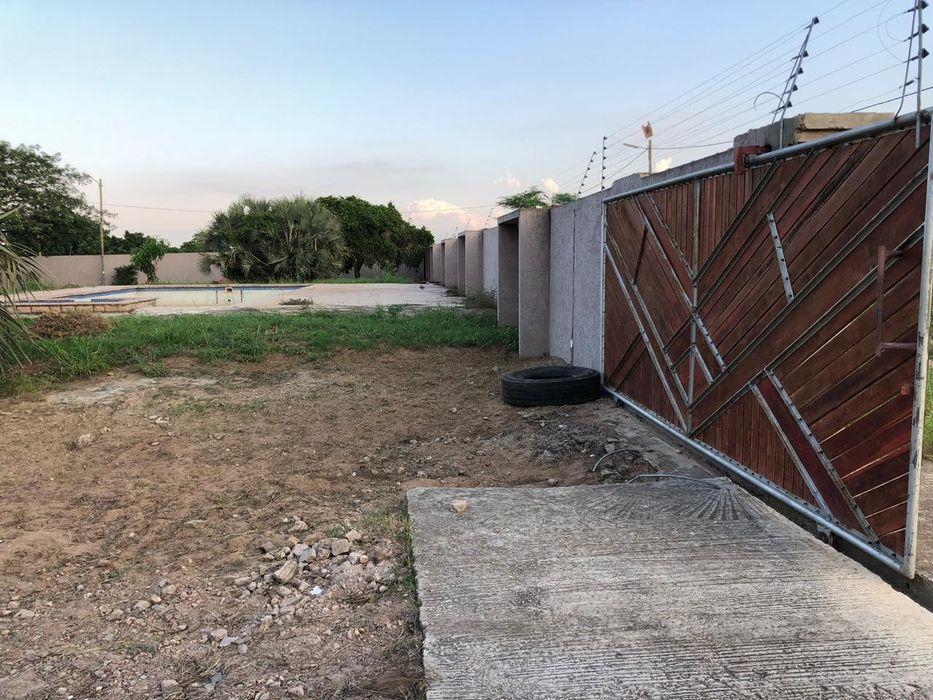 Vende-se propriedade Traspassa-se 4 hectares bem frente a Praia Duat Bilene Macia - imagem 7