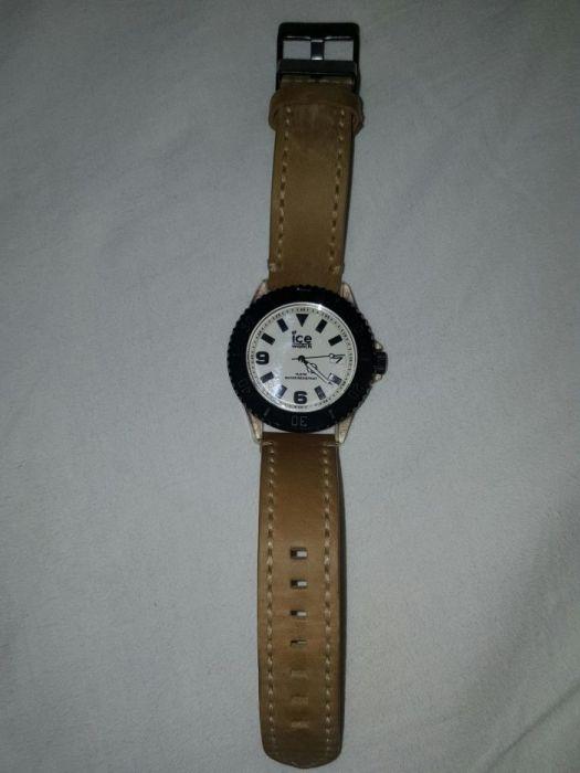 vand ceas Ice Watch curea piele super model