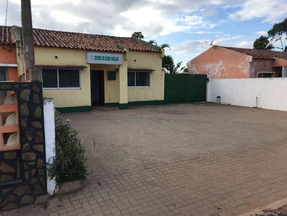 Arrendo pra escritório ou clínica na MATOLA 700 a berma da EN4-Witbank