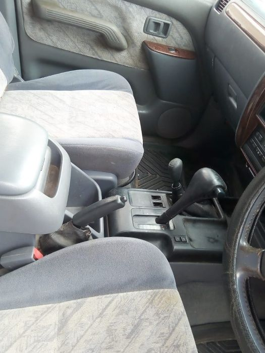 Toyota Prado Bairro do Mavalane - imagem 5