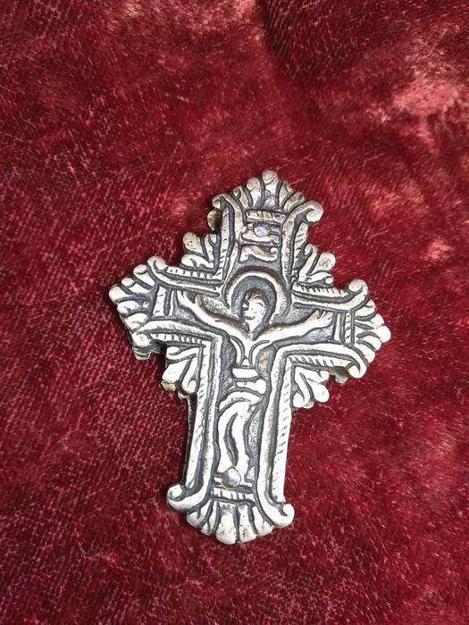 Сребърен кръст Енколпион