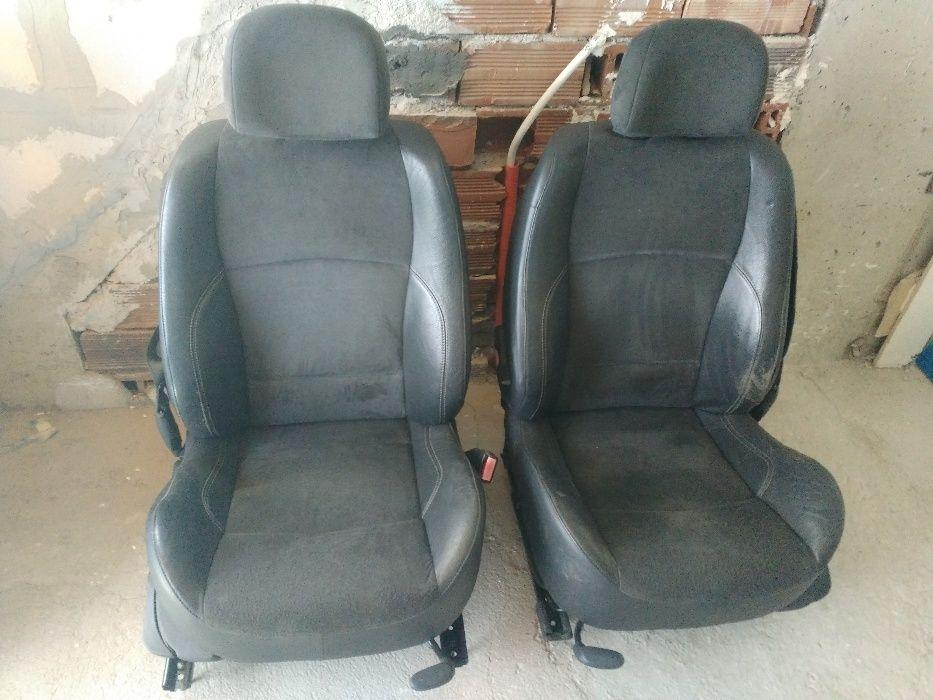 Кожени седалки АЛКАНТАРА от рено лагуна