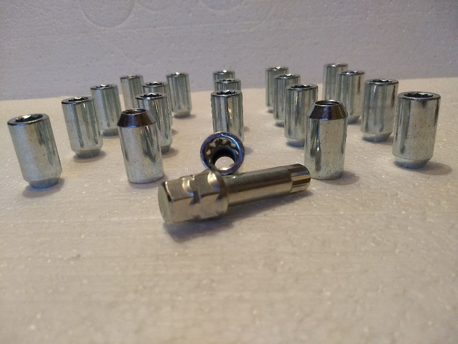 Piulite cu cap imbus M12 x 1,5 sau M12 x1,25 sau M14 x 1,5
