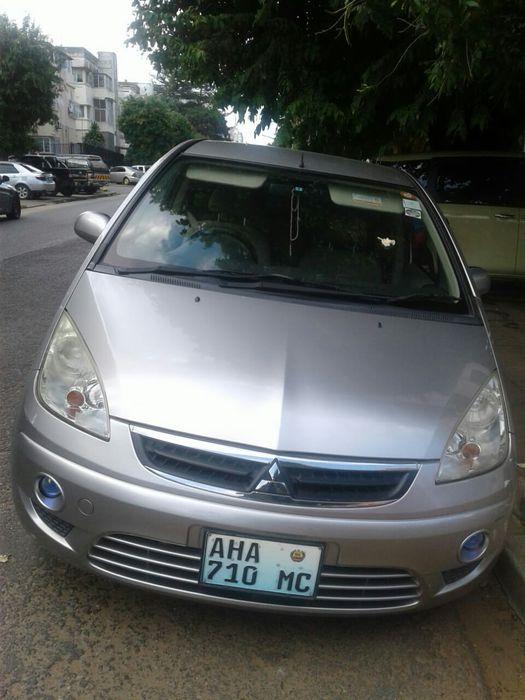 A venda Mitsubishi colt plus novinho