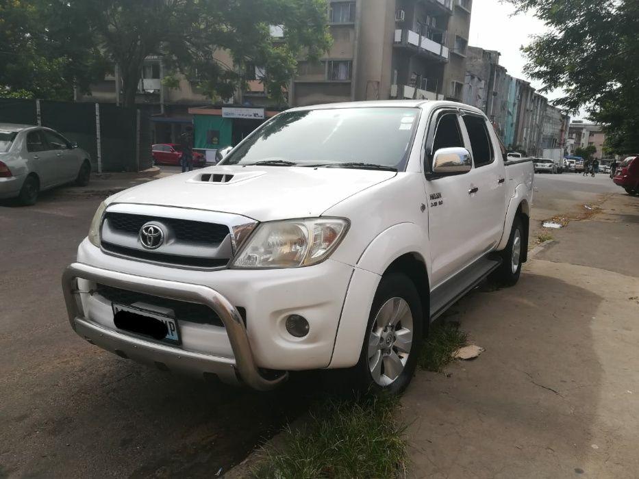Toyota hilux d4d impecavel