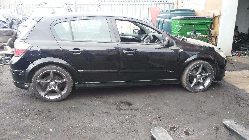 Dezmembrez Opel Astra H 1.9 CDTI 150 cai