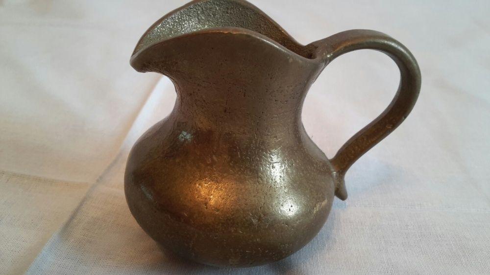 Carafa Vintage din alama sau bronz masiv