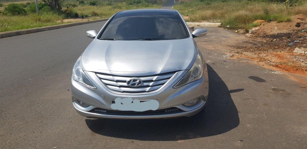 Hyundai Sonata com 56.000 quilômetros