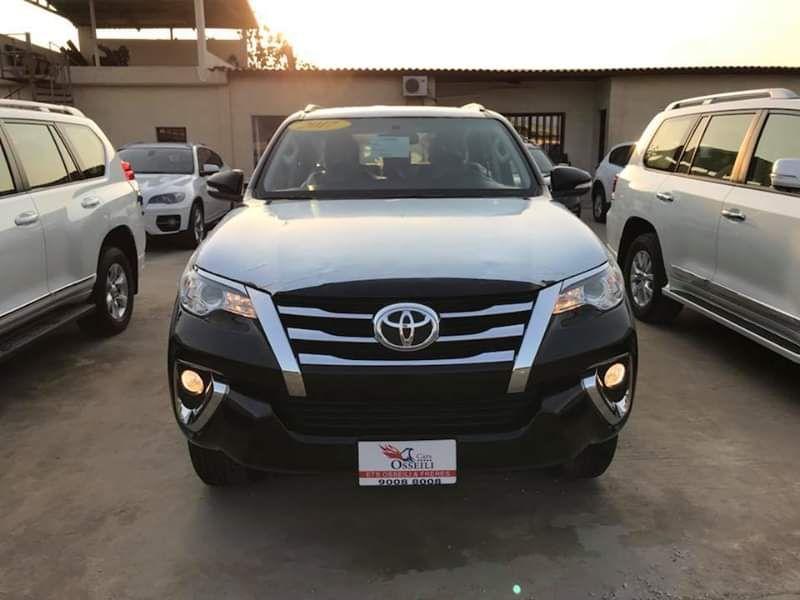 Toyota Fortuner full option