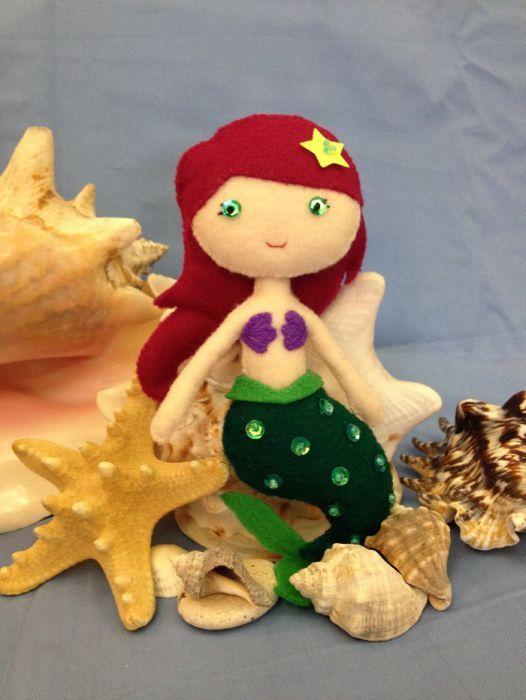 Printesa Ariel, papusa handmade din fetru.
