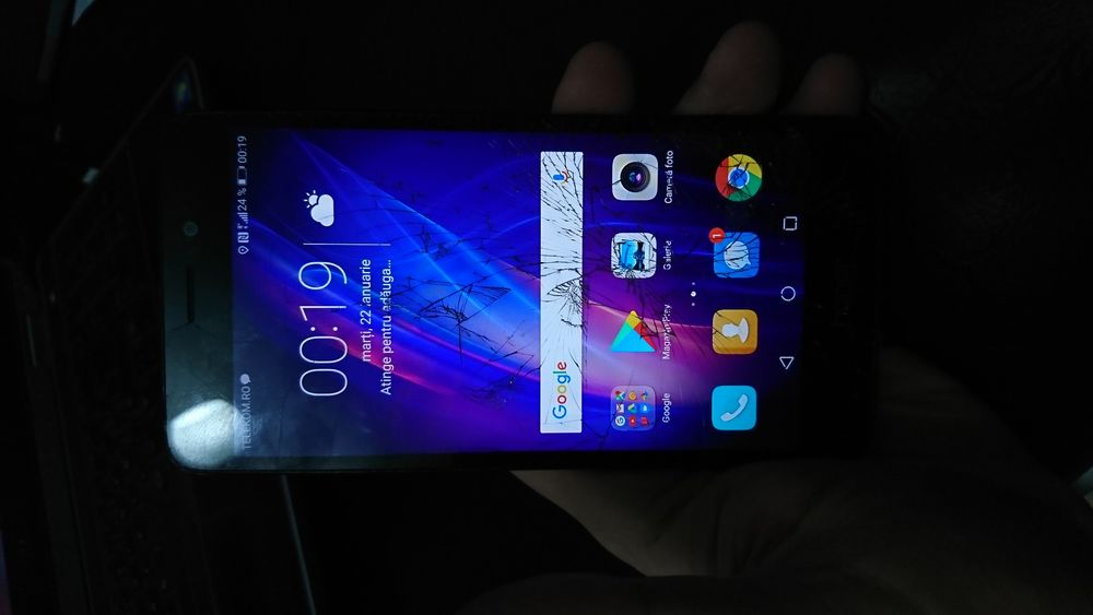 Huawei Honor 5C nem-l51 pentru piese.placa de baza buna