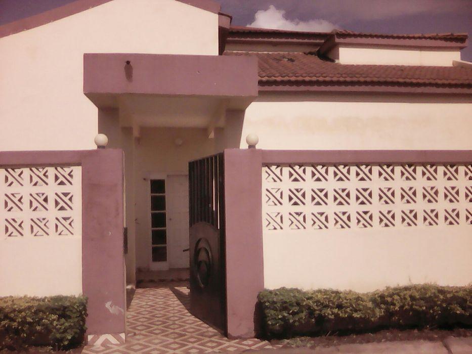 Vendo-se esta casa em malhatsene no condominio Cidade de Matola - imagem 6