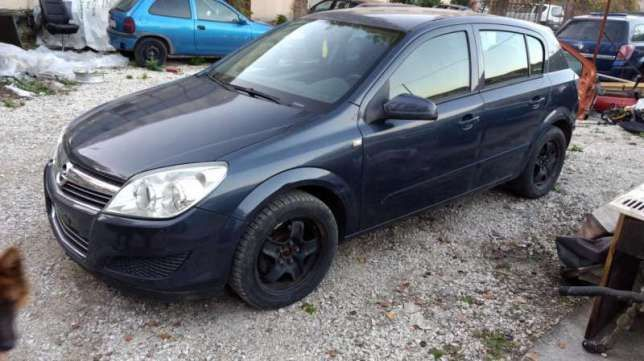 5 броя Opel Astra H на части