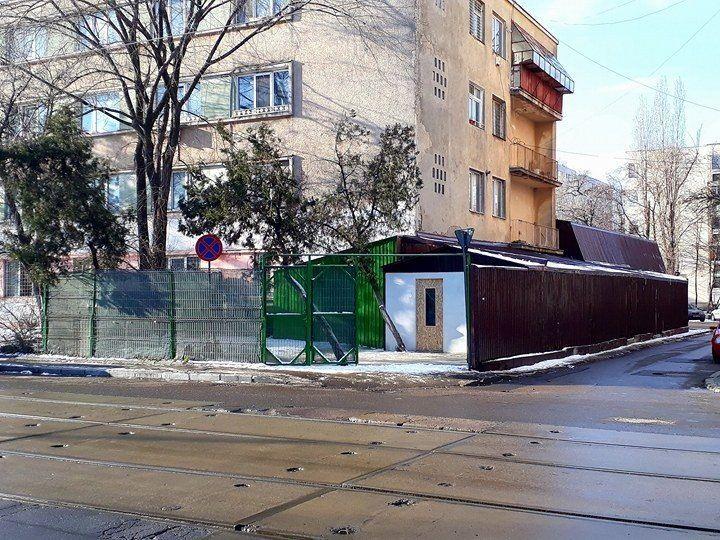 Spatiu stradal birou/depozit+curte - Bd.1Dec1918-Metrou C.tin Georgian