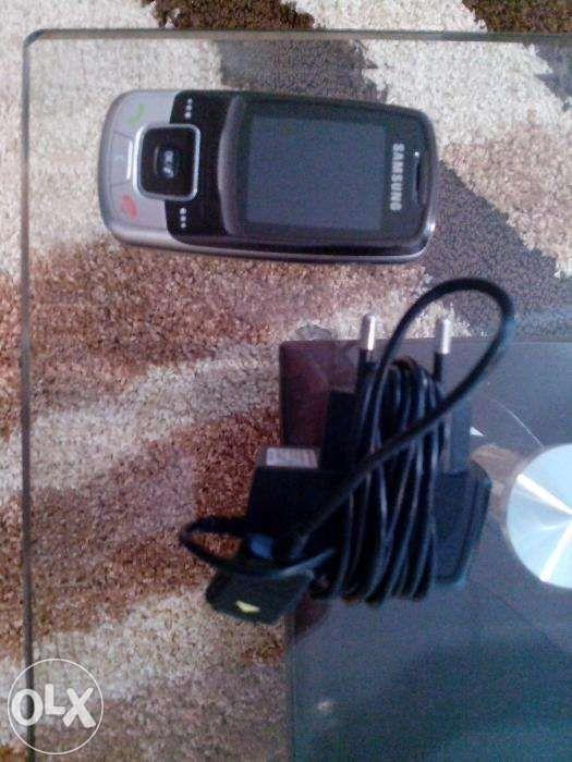 Telefon de vânzare