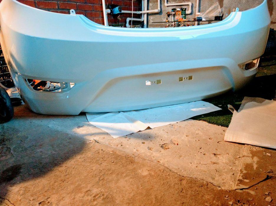 Бампер на Hyundai Assent Hatchback