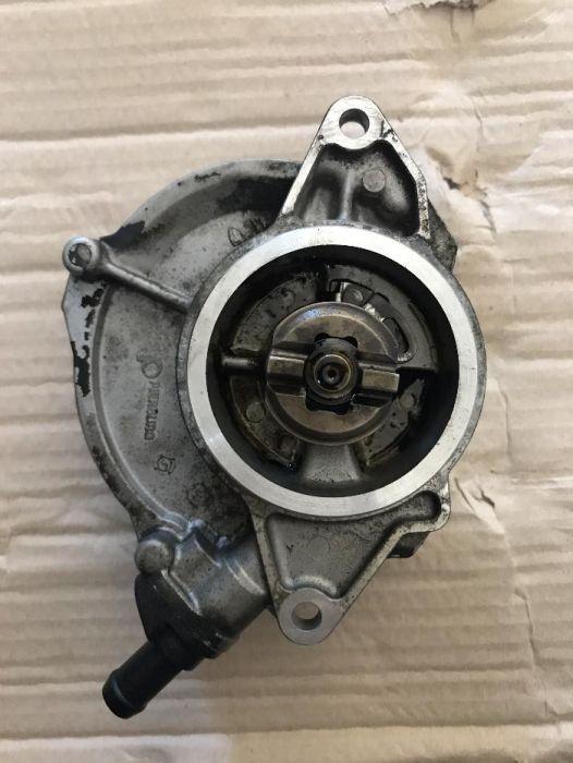 Pompa vacuum VW Touareg 3.0 TDI BKS 057 145 100 t
