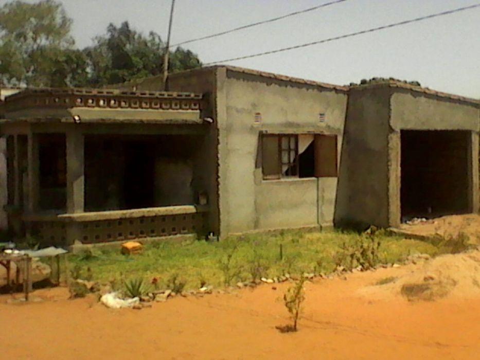 Vendo casa t2 em Maraquene muito bem localizada