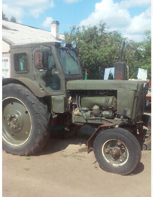 Продам трактор, две тележки, сенокосилку,грабли и волокушу