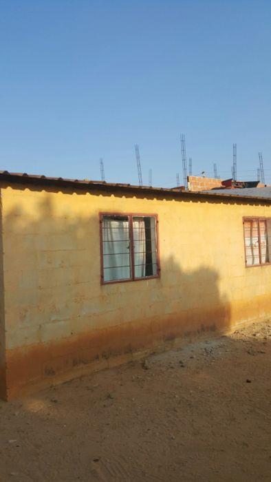 Vende-se Casa Zango1