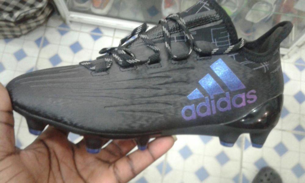 Chuteira da Adidas