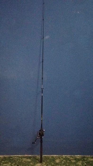 Cana shimano 210cm e material de pesca (amostras e anzóis )