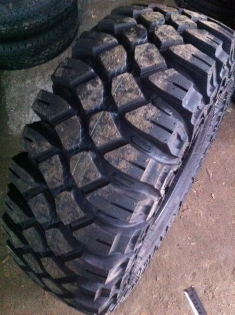 Vand anvelope noi off road MT 35x12,5 R16 Maxxis Creepy Crawler