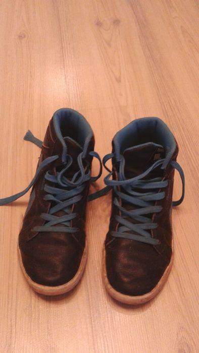 Vând pantofi sport, adidas, pentru băieți, Reebok, mărimea 22 cm