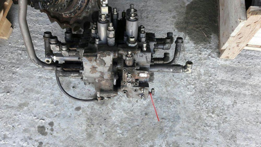 Distribuitor hidraulic excavator volvo 240