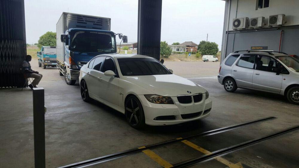 BMW 320i Recém importado