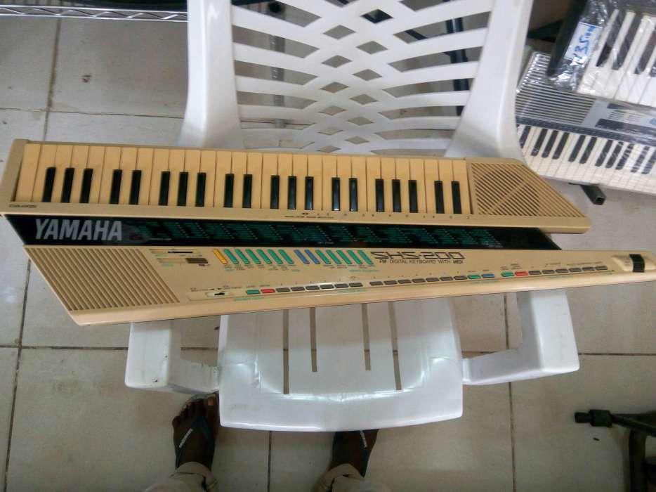 Teclado e controlador yamaha SHS 200