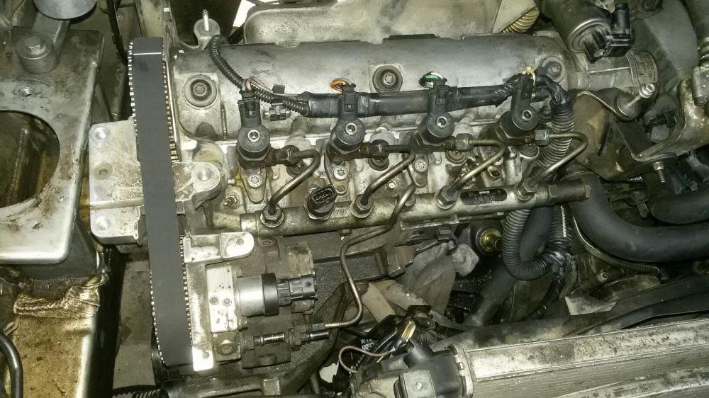 motor 1.9dci f9q opel vivaro renault trafic