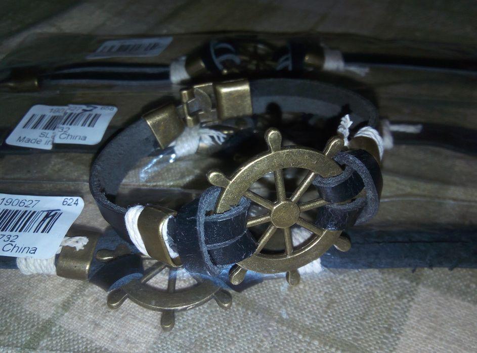 Promoção de Pulseiras para homens feitas de aço inoxidável e couro