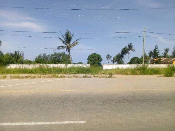 Romao 50X150.Vedados. Maputo - imagem 2