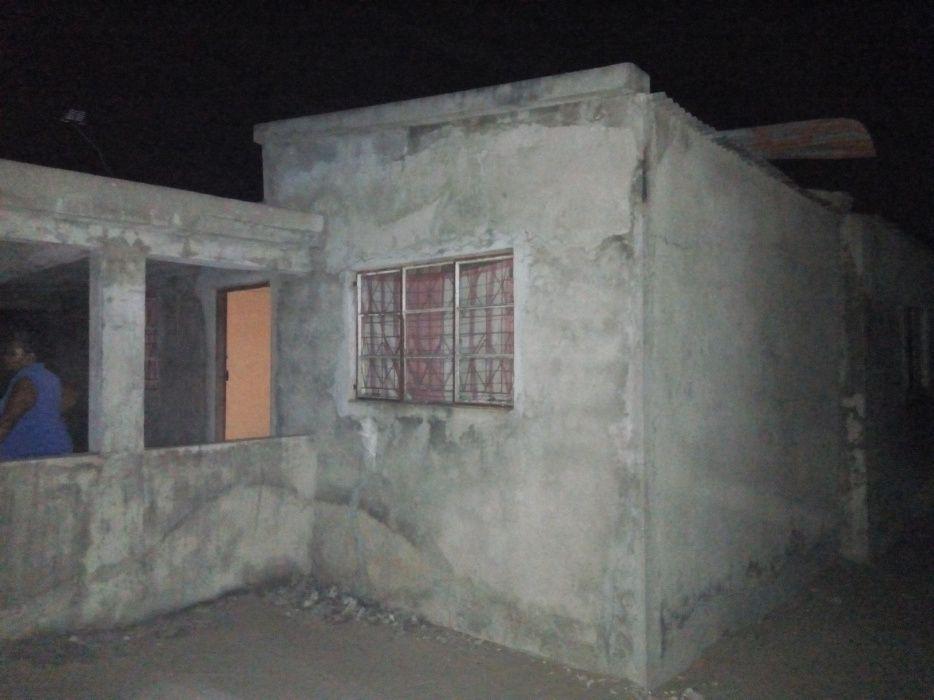 Vendo casa tipo com Duat próximo a Vila Olímpia de Zimpeto