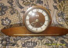 Старинен каминен часовник