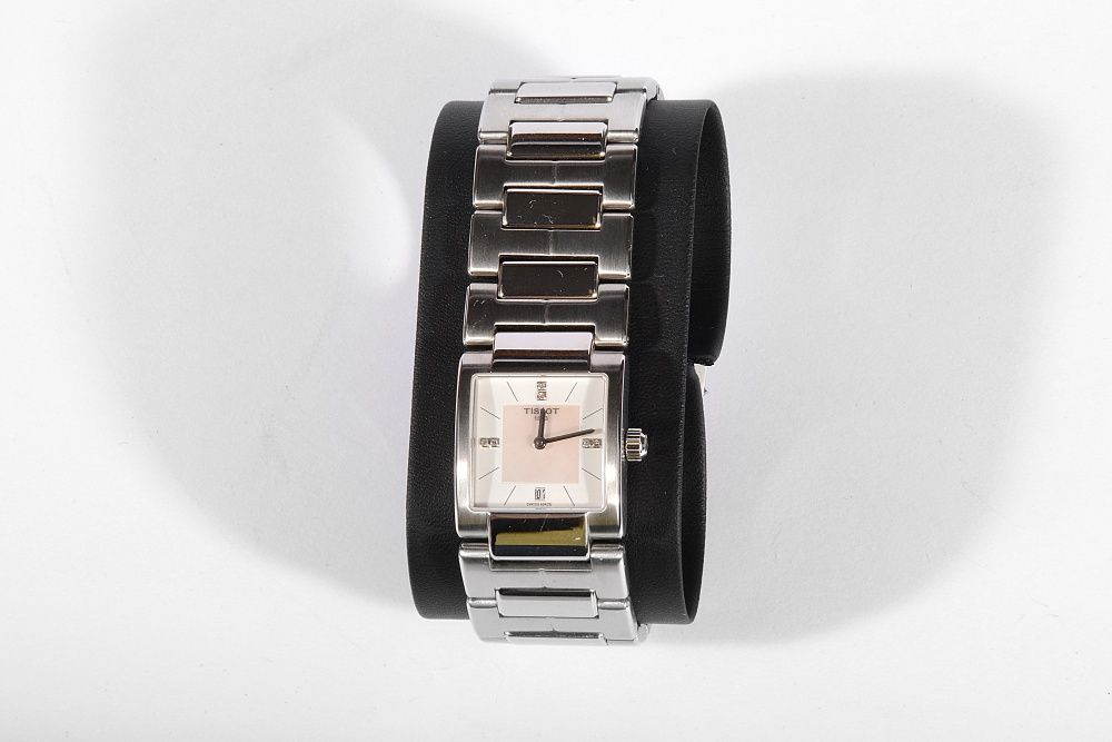 Дамски часовник Tissot T02 Mother of Pearl Dial